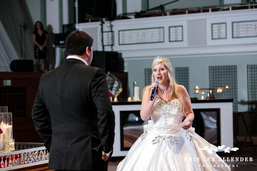 Bride_Sings_To_Groom
