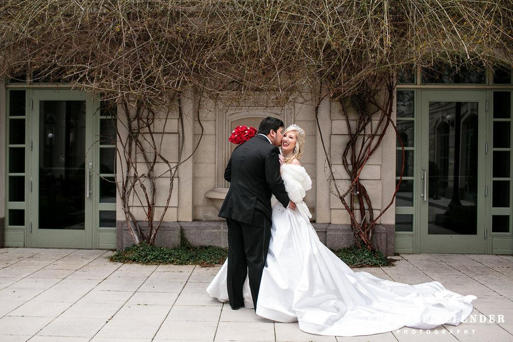 Bride_Laughs_At_Groom
