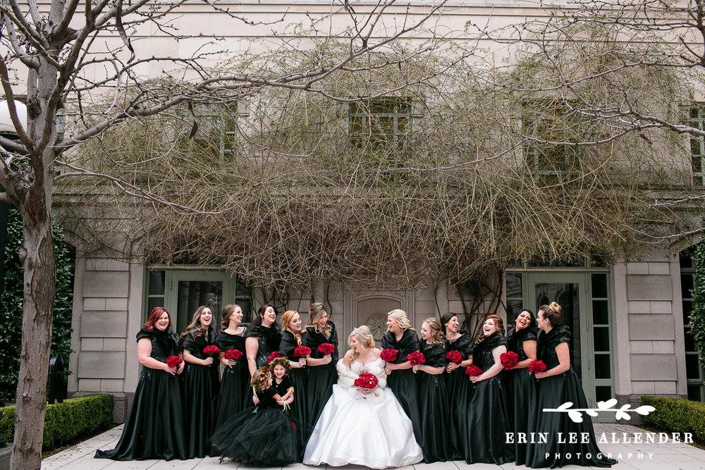 Bridesmaids_Black_Dresses_Red_Roses