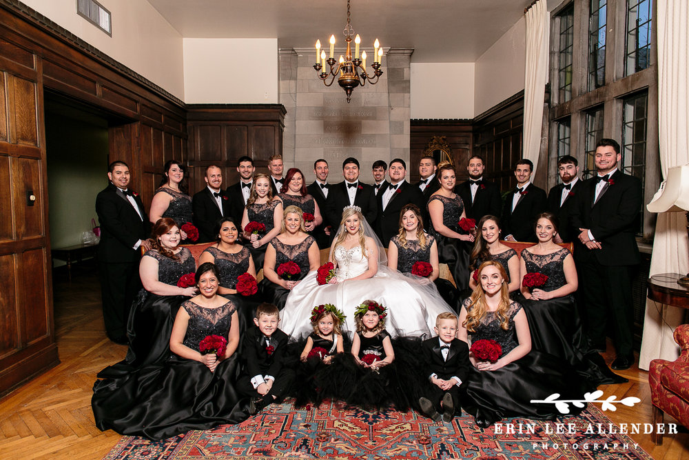 Classic_Bridal_Party_Photograph