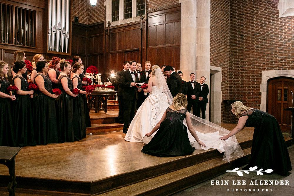 Bridesmaids_Straighten_Train