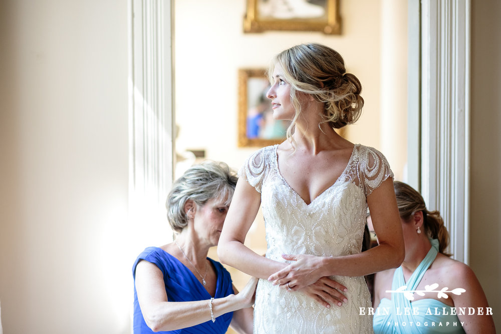 Bride_Getting_Ready_Riverwood