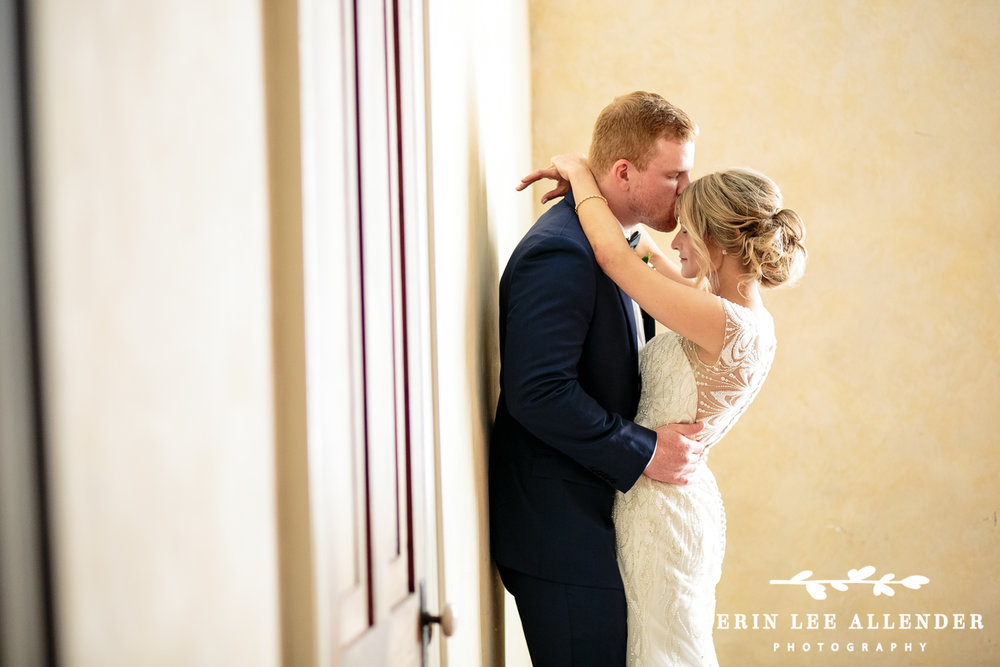 Groom_Kiss_Bride_Forehead