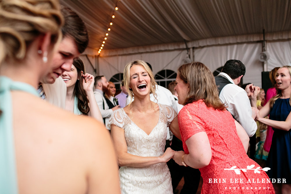 Bride_Laughs_On_Dance_Floor