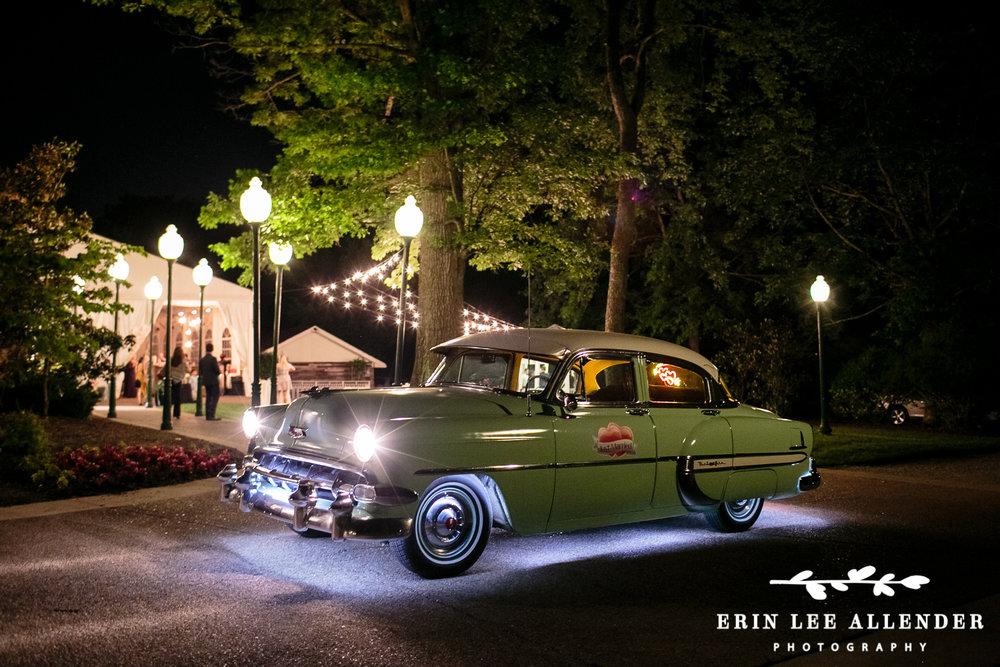 Classic_Car_Wedding_Exit