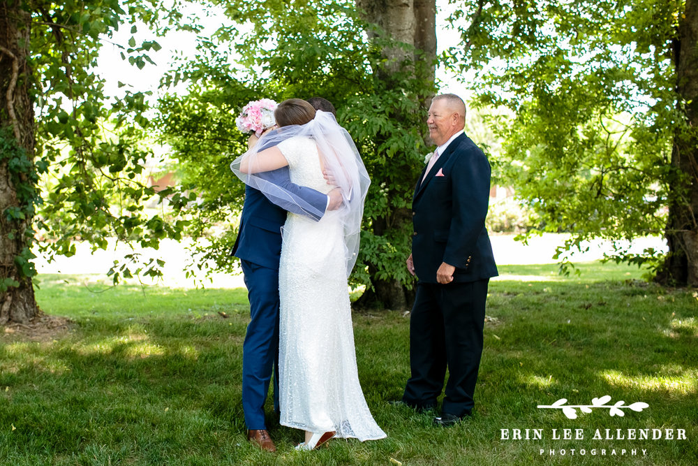 Dad_Gives_Bride_Away_First_Look