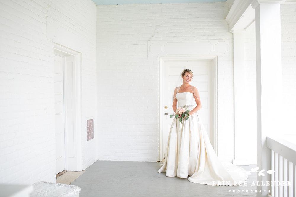 Bridal_Portrait_Ravenswood