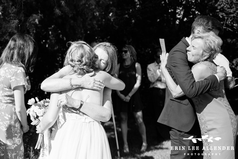 Mothers_Hug_Bride_Groom