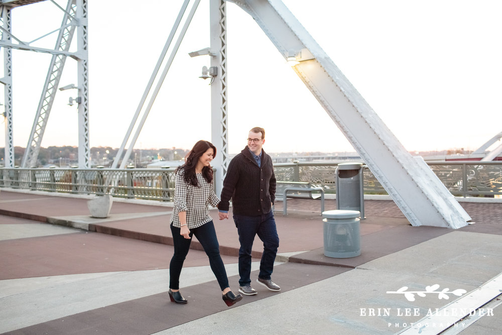 Nashville_Pedestrian_Bridge_Sunrise