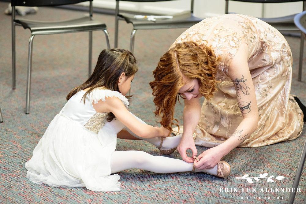 Bridesmaid_Helps_Flower_Girl_Getting_Ready