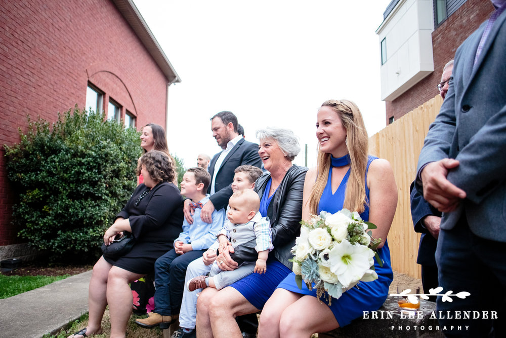 Family_Laughs_At_Wedding