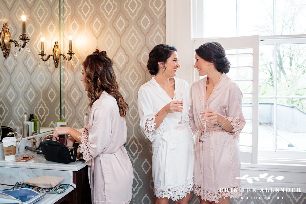 Twin_sisters_wedding