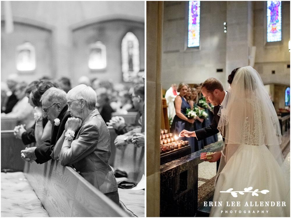 Grandparents_Pray_at_Wedding