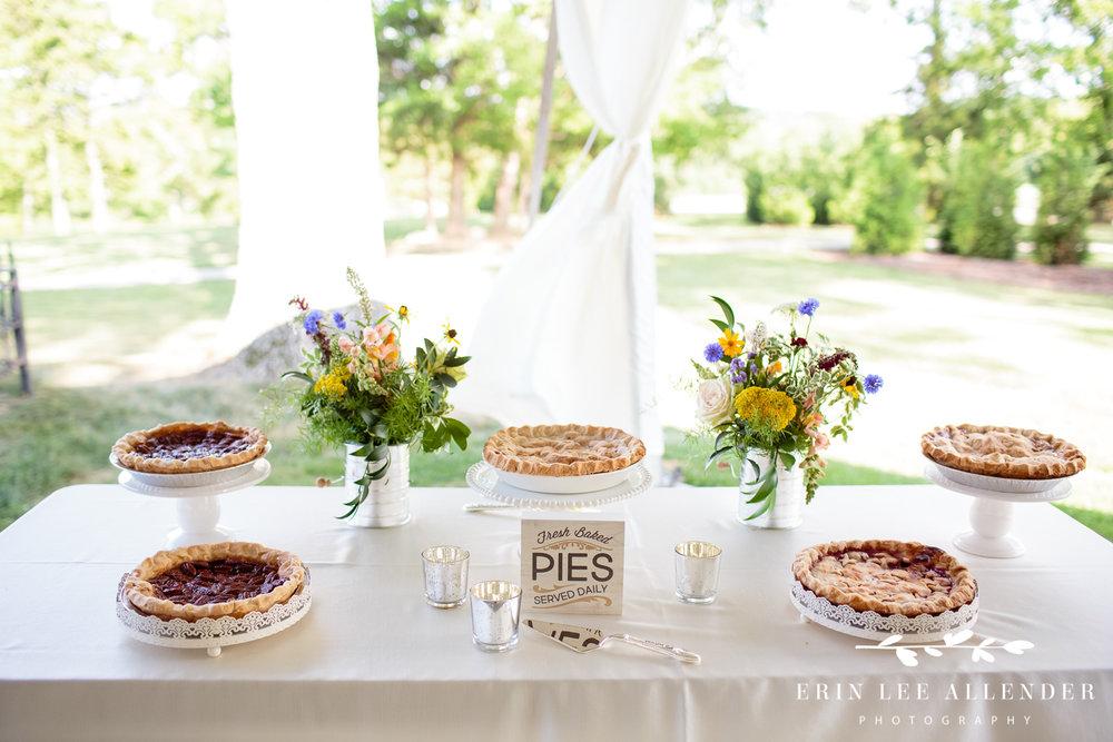 Wedding_Pie_Table