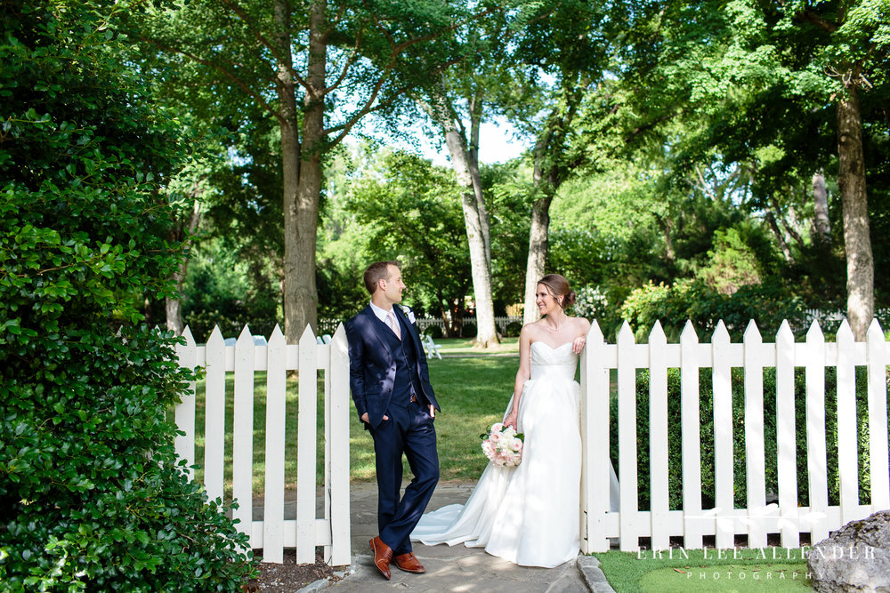 Bride_Groom_White_Picket_Fence