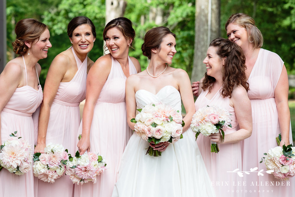 Bridesmaids_In_Pink