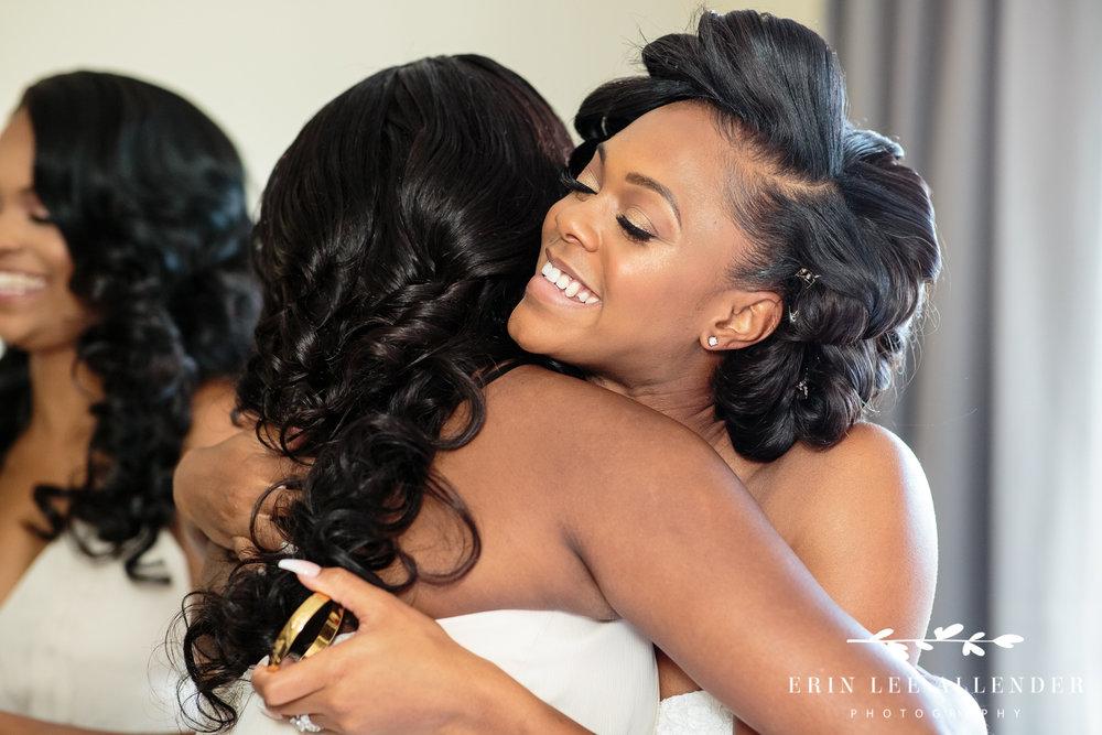 Bride_hugs_bridesmaid