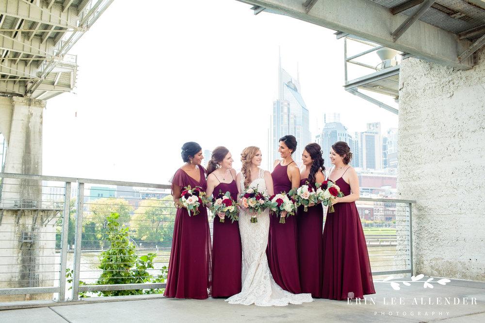 bridesmaids-nashville-skyline