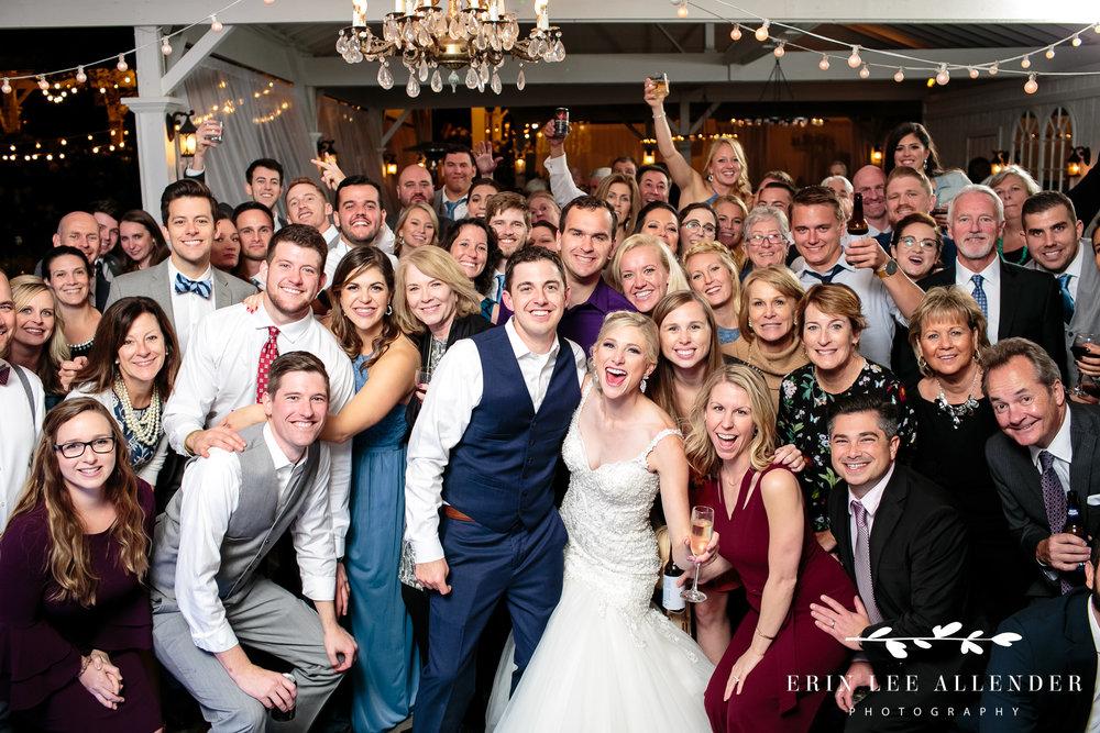 huge-reception-group-photograph
