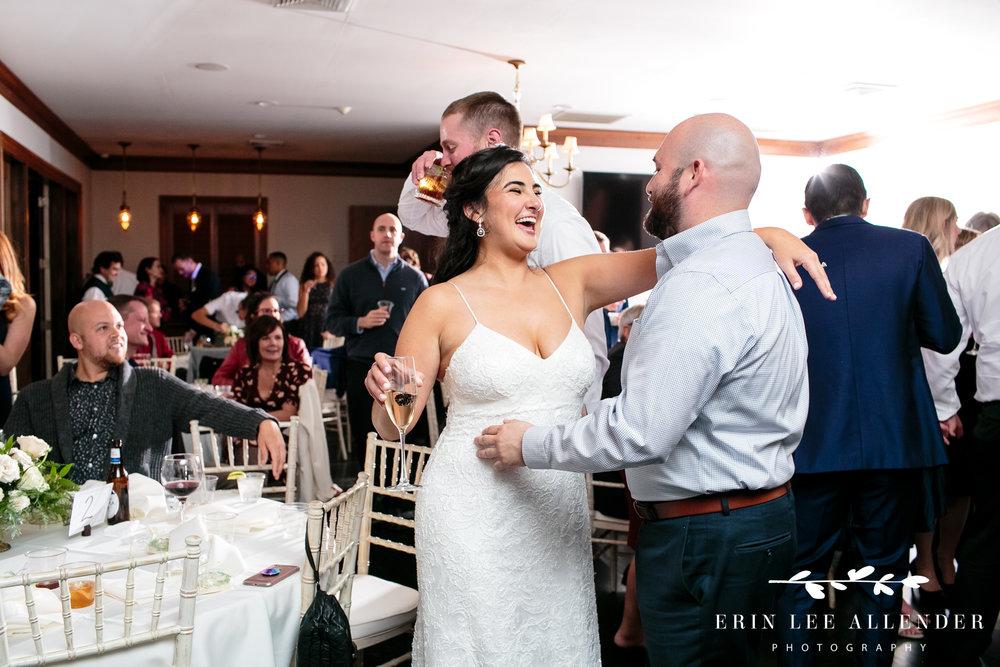 bride-talks-to-guest