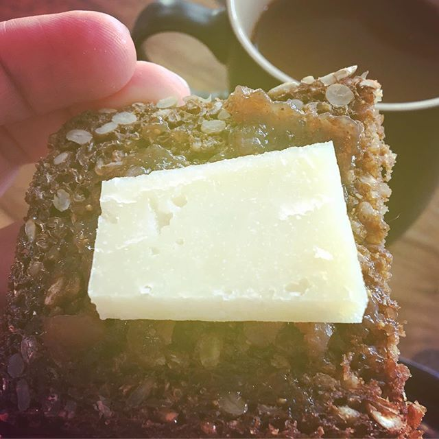 Cantagrullas (sheep milk, Spanish, made in the style of a Cheddar if you can believe it) with a smear of cherry compote on some dark, seeded bread for breakie.  #altemilch #cheeseberlin #spanishcheese #berlinfood #berlinfoodie #europeancheese
