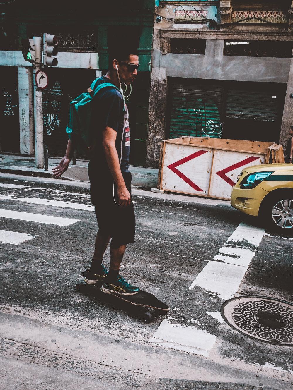 / Slide the city