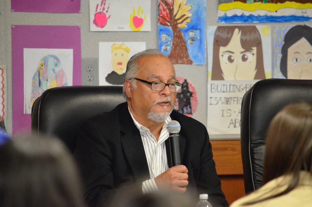 David Lemos answering a student's question.
