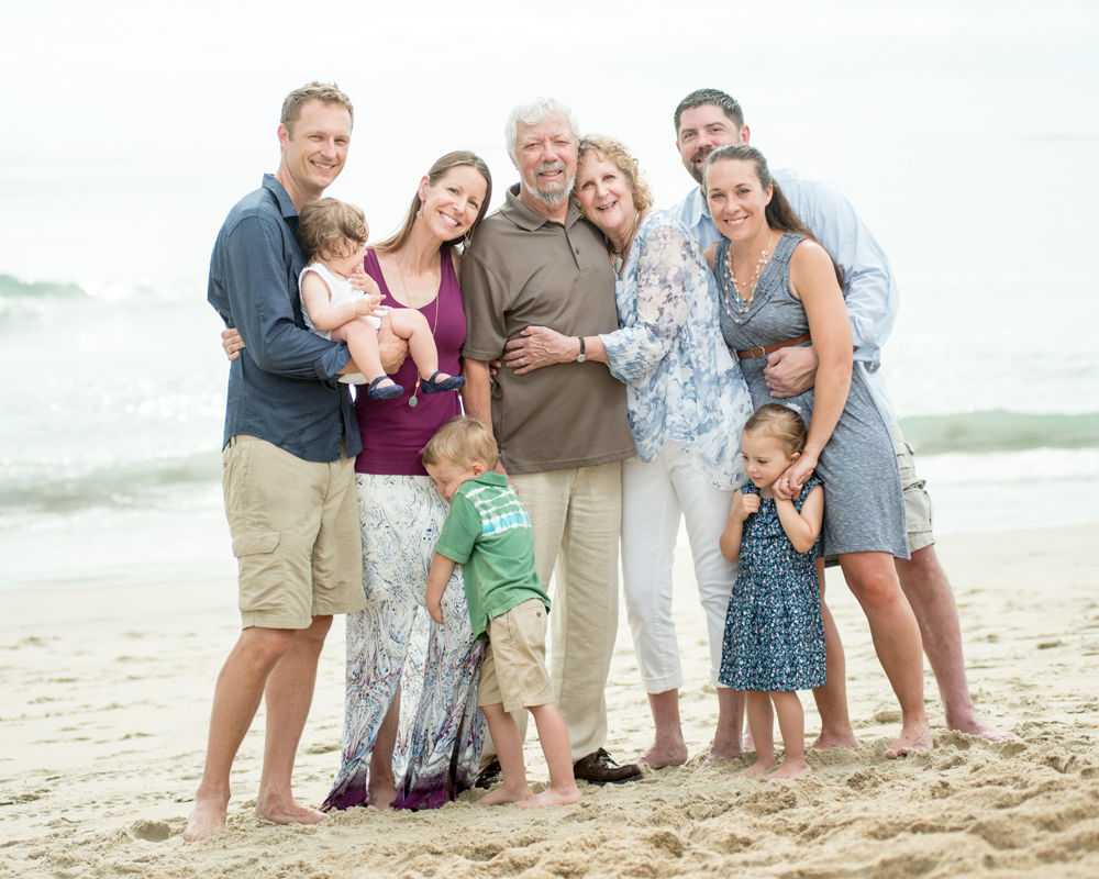Extended family portraits in Kitty Hawk, NC