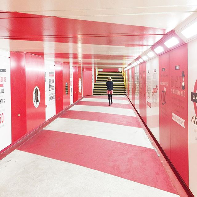 THANKS random stranger for matching the tube station 🚇🔴 . . . . #bakerstreet #londonunderground #red #stripe #travel #travelgram #london #uk