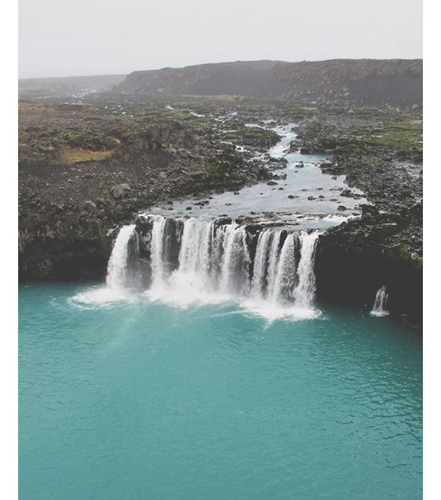 What dreams are made of . . . . .#iceland #travel #wanderlust #fieldtrip #waterfall #explore 📷via #Pinterest tag if known