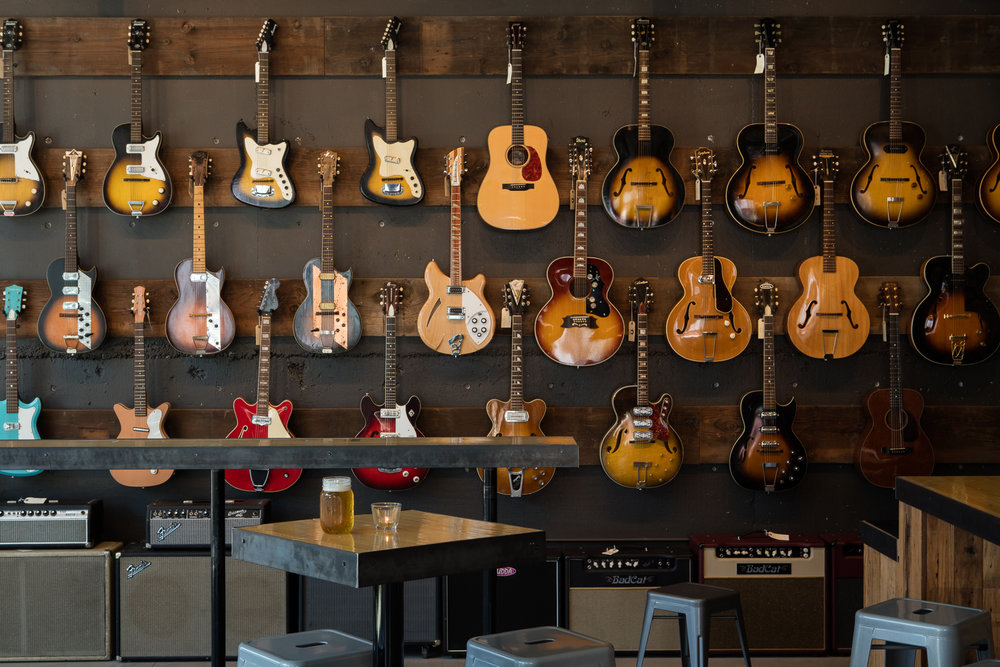STRUM GUITAR BAR