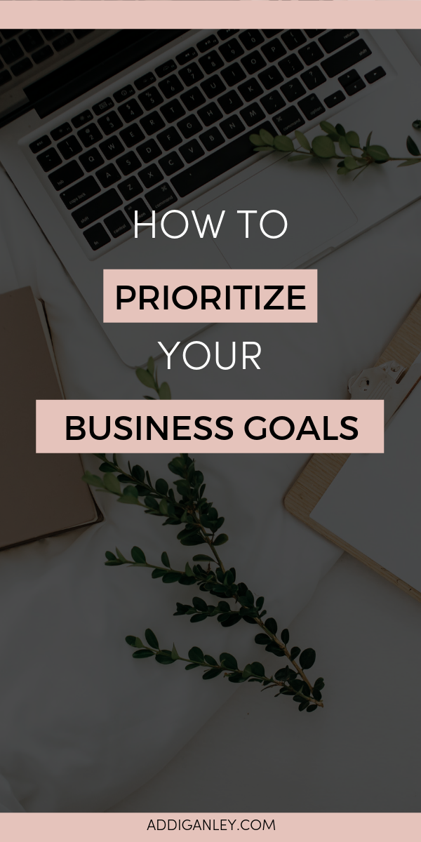 Need help staying motivated to hit your blog and business goals? I'm sharing 3 ways I track my progress to hit my big goals so that I can stay motivated and on track. Click to read now!