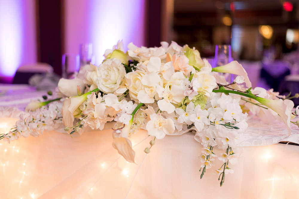 LaFontaineBleue-Reception-HeadTable-Flowers.jpg