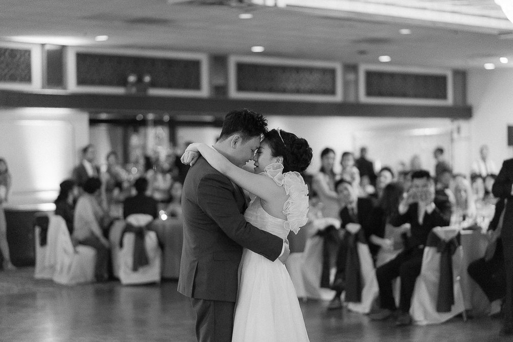 LaFontaineBleue-Reception-First-Dance.jpg