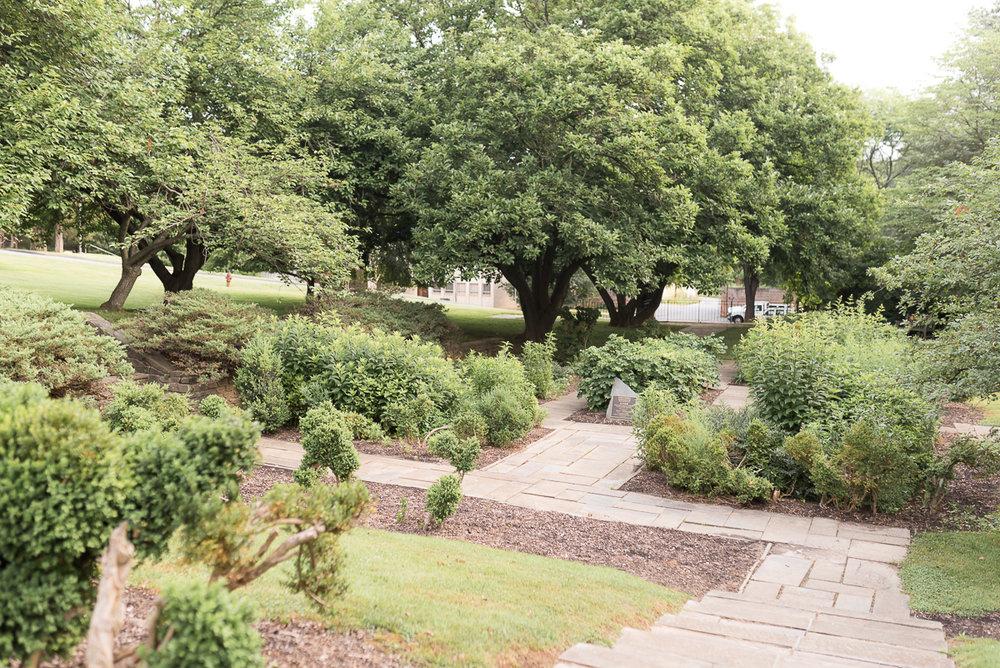Glenview-Mansion-Formal-Graden.jpg