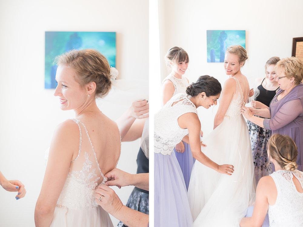 Elkridge-Furnace-Inn-Wedding-Get-Ready-Bride-Bridesmaids