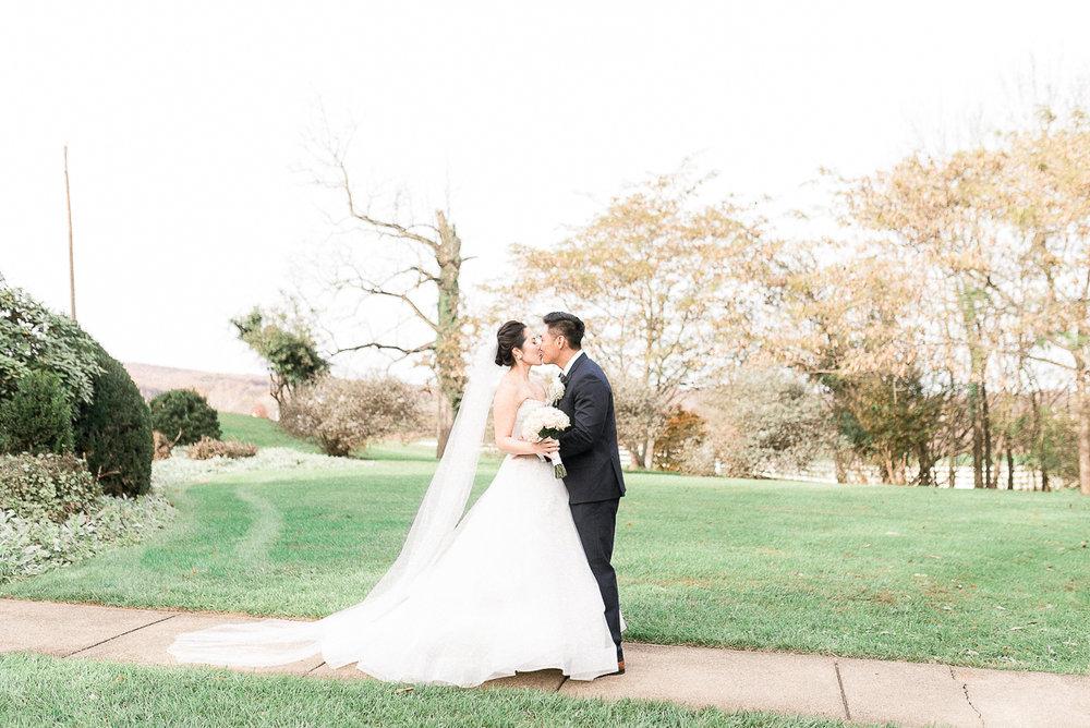 VA-Wedding-Raspberry-Plain-Manor-Fall-3.jpg