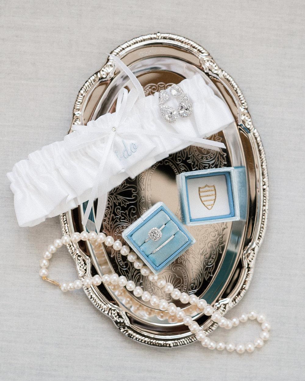 MD-Walkers-Overlook-Wedding-Bride-Get-Ready-26.jpg