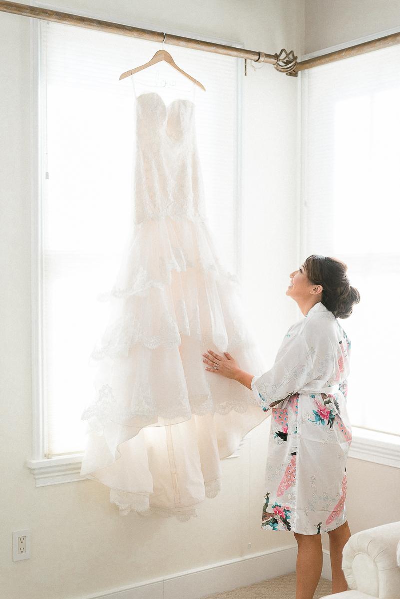 MD-Walkers-Overlook-Wedding-Bride-Get-Ready-13.jpg