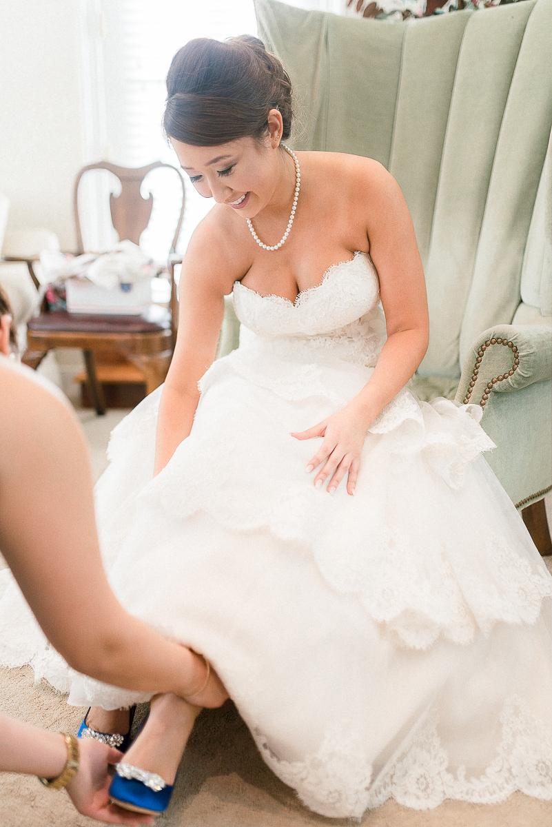 MD-Walkers-Overlook-Wedding-Bride-Get-Ready-22.jpg