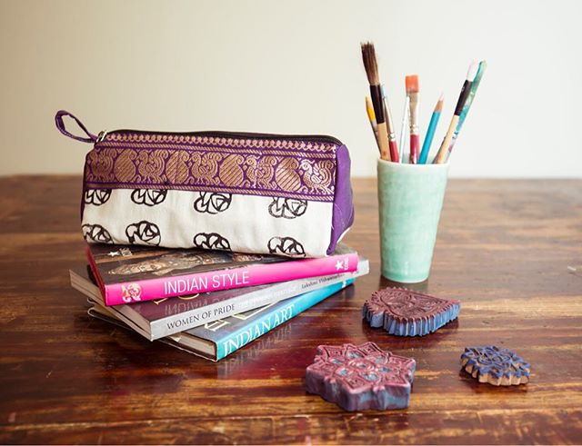 💜💜Our pouches are perfect for storing and carrying makeup, pencils and pens. Great for travelling. Made from recycled sarees and organic Indian cotton. The beautiful patterns are designed and carved into stamps from rubber sandals that are sourced from the rubbish. They are then lovingly hand printed by the gypsy women of Sewing the Seeds. Gets yours now at sewingtheseeds.org💜💜 @fairandsquarebe @samugam_australia