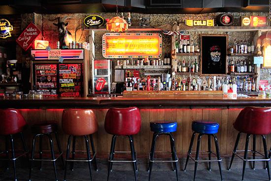 williamsburg hook up bars