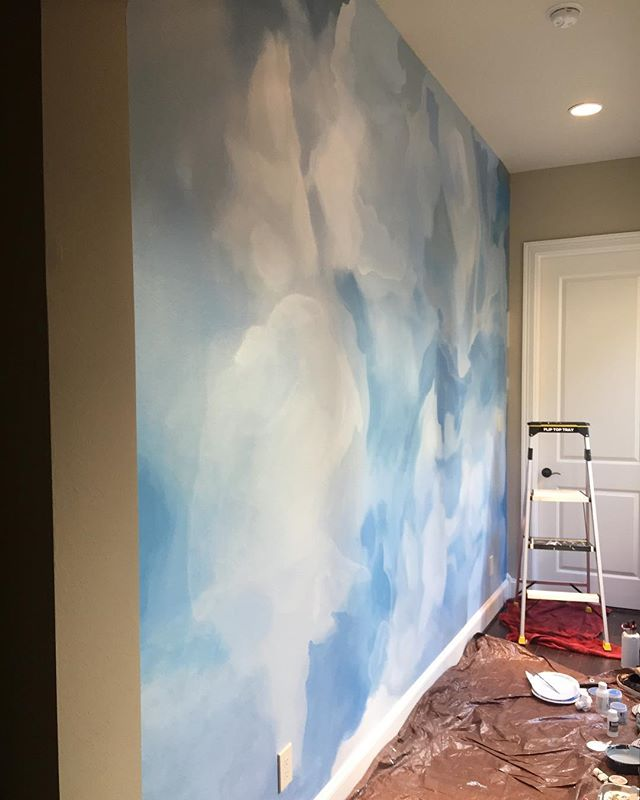 Y'all. It's great when your client has great taste and asks for an abstract cloud mural with a smoky twist! The only problem is I couldn't get a photo that does it justice since it's a hallway! I like this even more than the cool photo she showed me for inspiration💙☁️💙houstonmuralist #mural #blue #cloudy #halldecor