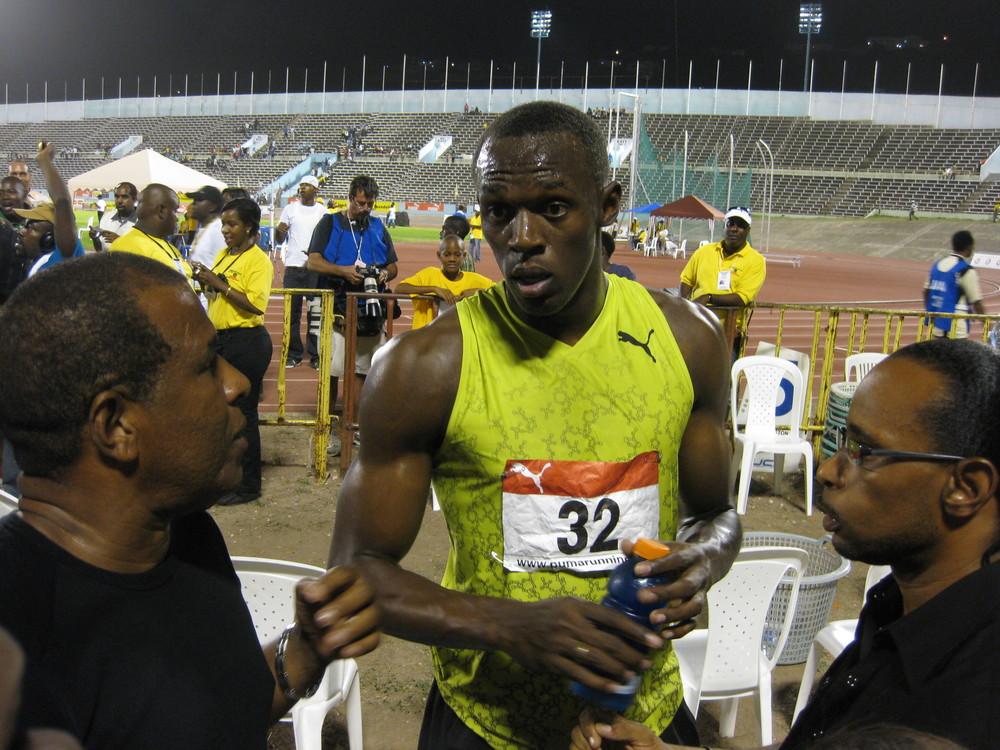 Usain Bolt efter sin säsongsdebut i Kingston 2009.