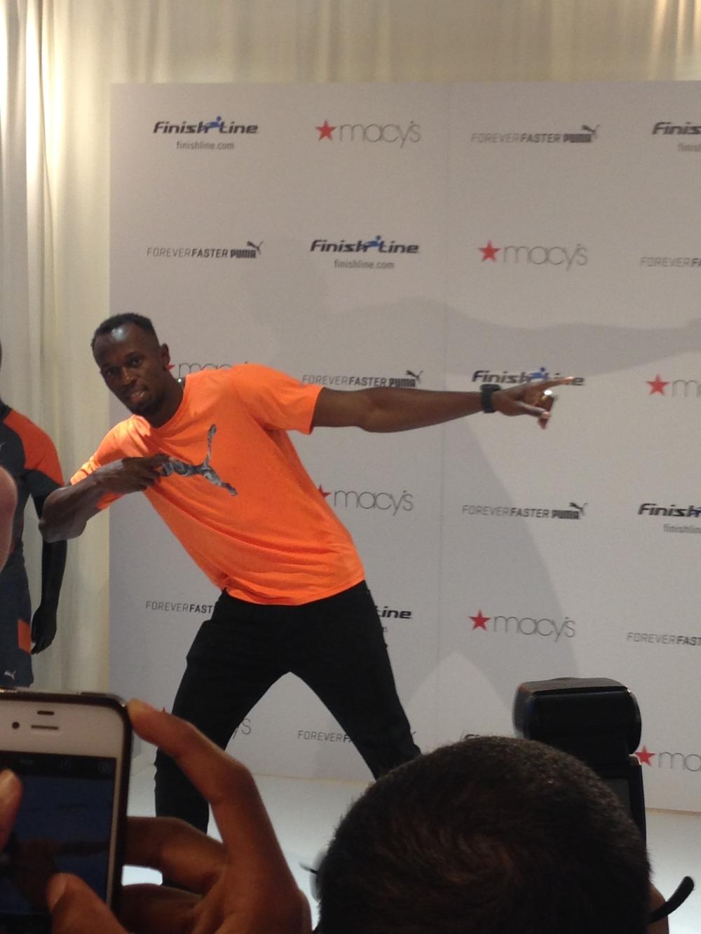 Bolt poserar lite för mig på ett event på Manhattan fjol. I NYC satte han sitt första världsrekord.