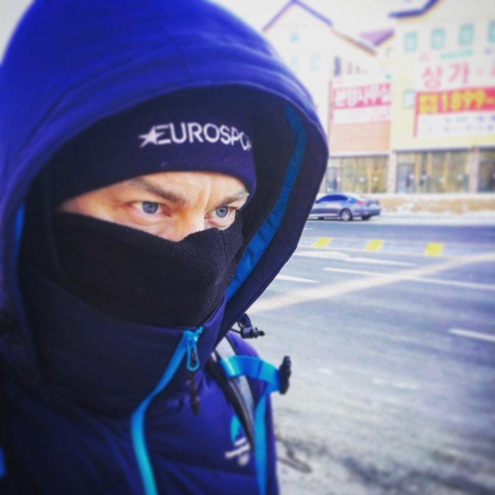 På väg till jobbet. Första veckan var den korta promenaden iskall, med temperaturer runt minus 15-20 och halv storm.