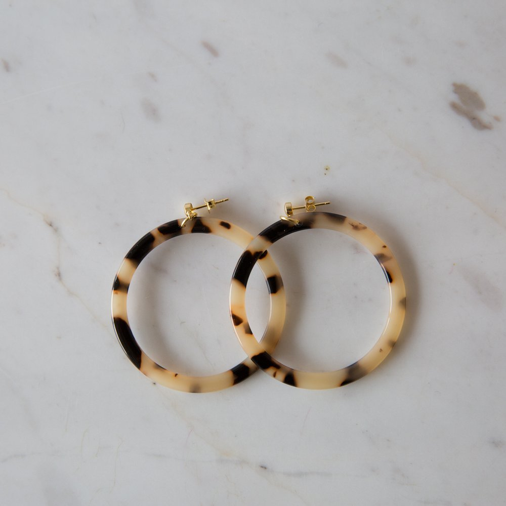 Sophie Light Torty Hoops