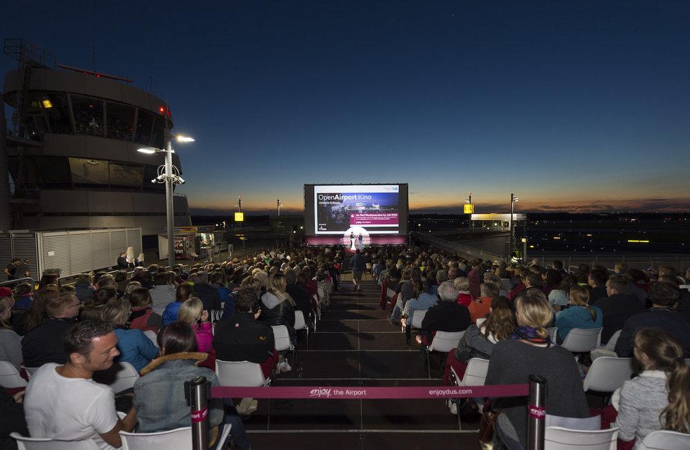 03_Harald_Greising_Moderator_Open_Airport_Kino.jpg