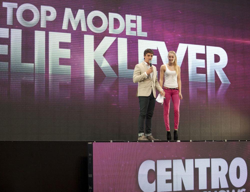 3_Harald_Greising_Moderator_Centro_Fashionshows.jpg