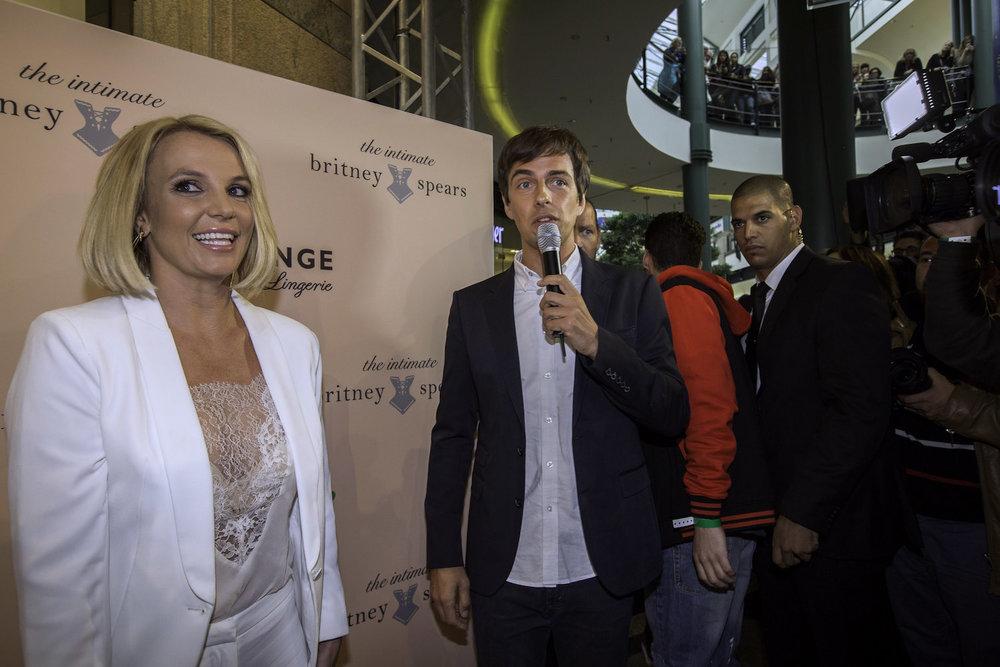 5_Harald_Greising_Moderator_Britney_Spears.jpg